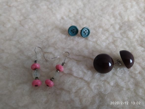 Zestaw 3 par kolczyków kule wiszące guziki brown turquoise pink...