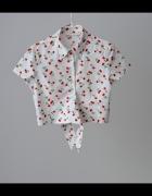 Krótka bluzka z wiązaniem