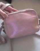 Różowa holografoczna torebka z naturalnej skóry listonoszka kuf...