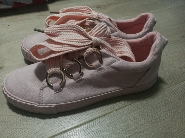 nowe różowe tenisówki 38