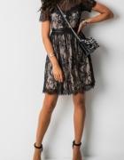 Czarna sukienka koronkowa beżowa podszewka s...