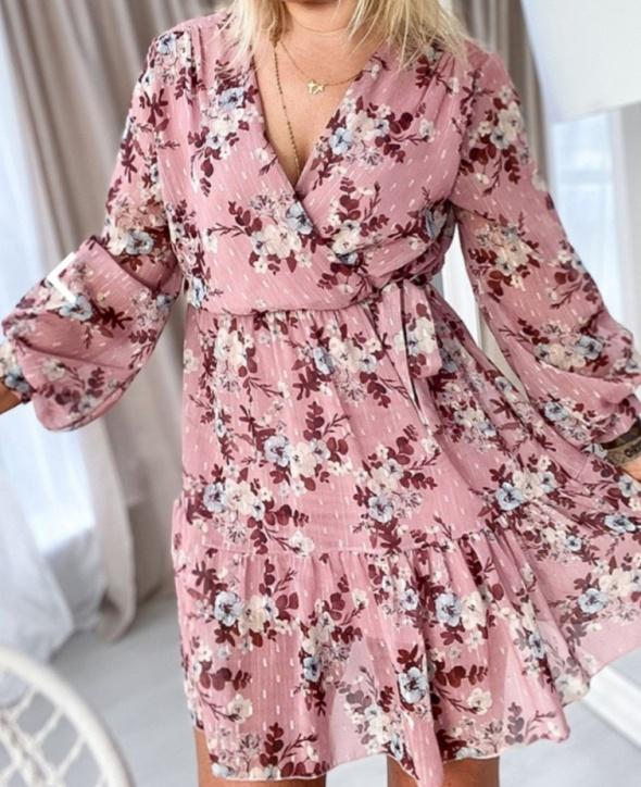 Suknie i sukienki Różowa sukienka w kwiaty kopertowa s m