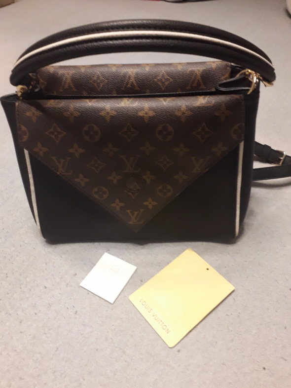 Nowa Louis Vuitton