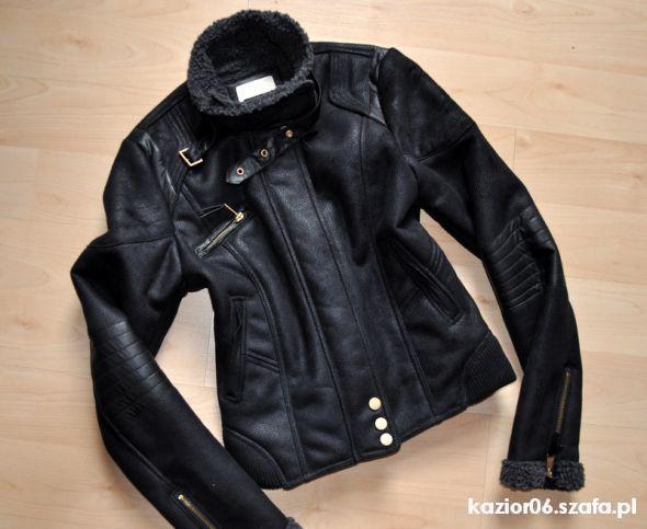 BERSHKA kożuszek czarny