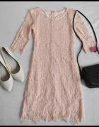 Piękna koronkowa dopasowana sukienka pastelowa 36 S...