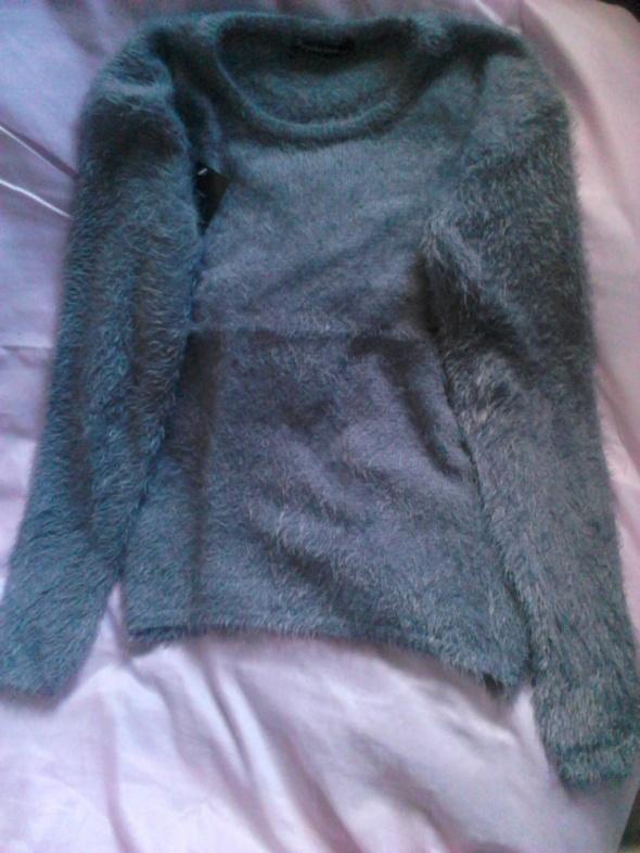 Puszysty włochaty sweter Nowy