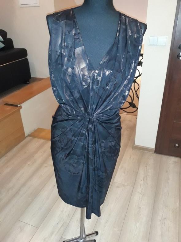 czarna sukienka 38
