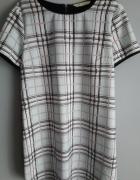 Luźna sukienka w kratę...