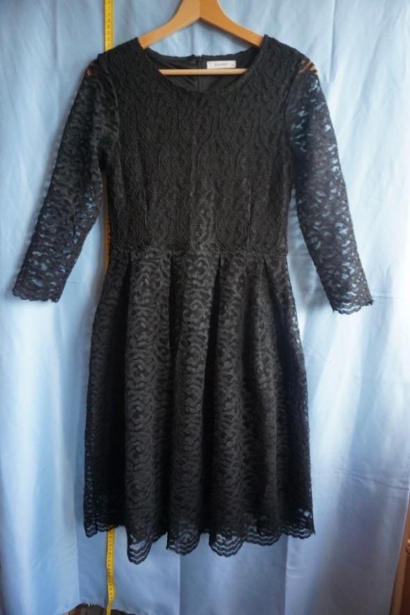 Suknie i sukienki Sukienka czarna koronkowa Reserved S