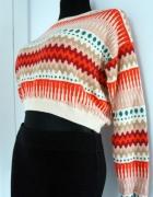 Krótki sweterek w geometryczne etniczne wzory...