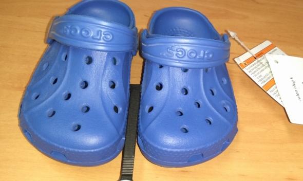 Nowe niebieskie klapki chłopięce Crocs roomy fit 21 22 C4 5