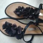 Czarne sandały