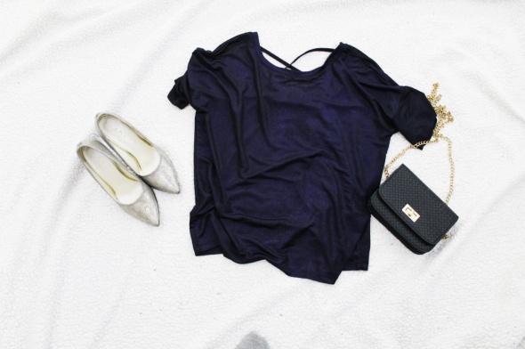Fioletowa połyskująca bluzka Reserved z paskami...