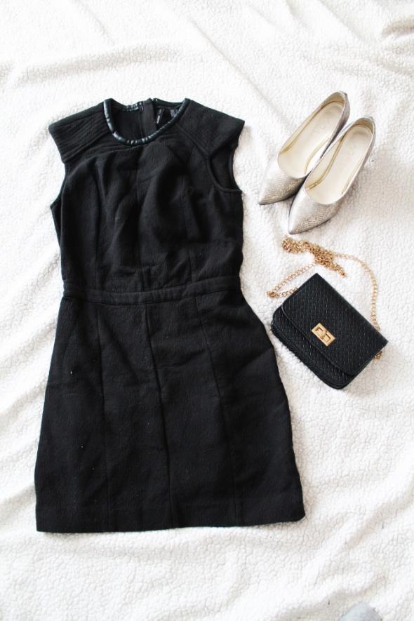 Czarna sukienka ołówkowa Mango