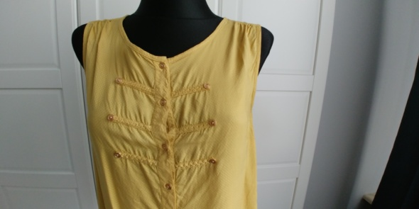 Bluzka w kolorze starego złota...
