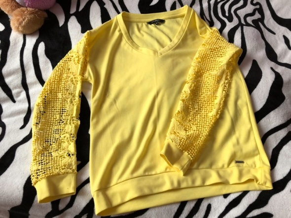 Żółta bluza z koronka Top Secret...