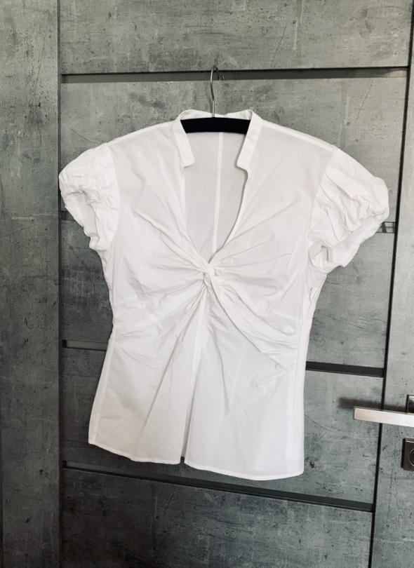 Bluzki Bluzka Zara dekolt marszczenia M biala