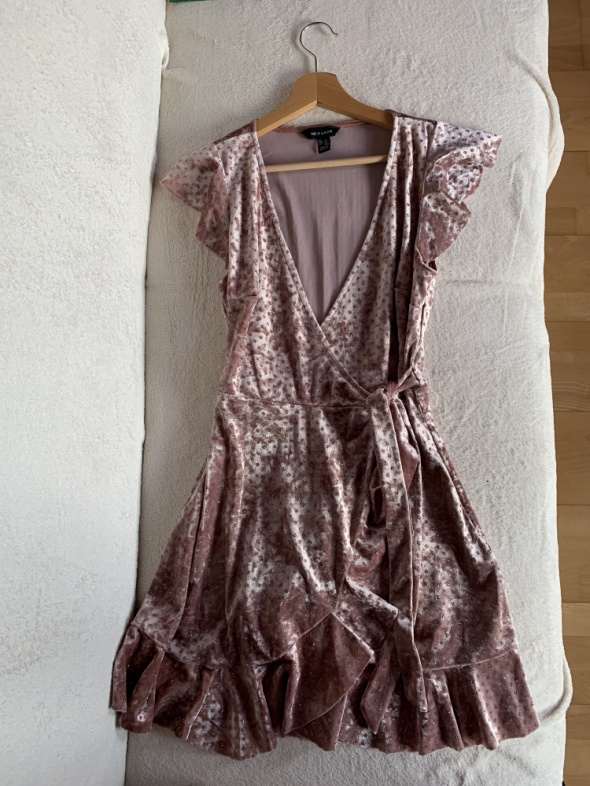 Suknie i sukienki Różowa sukienka z falbankami rozmiar L