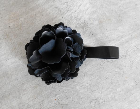 Mango nowy choker kolia naszyjnik róża eko skóra kwiat czarny...