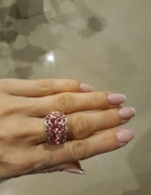 Regulowany pierścionek kamienie różowy...