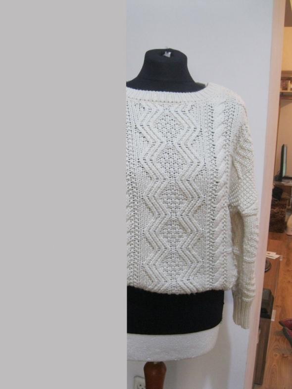 luźny sweter ATMOSPHERE 36 kremowy...