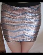 Cekinowa spódnica...