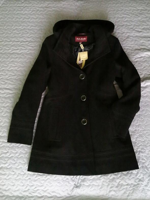 Czarny płaszcz Paolo Moretti
