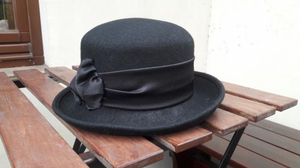 Retro kapelusik