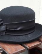 Retro kapelusik...