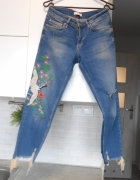 Zara jeansy z haftem haft...