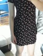 Czarna sukienka Cropp w kwiaty floral XS S lato...