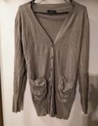 Szary sweterek na guziki z kieszonkami rozmiar L XL...
