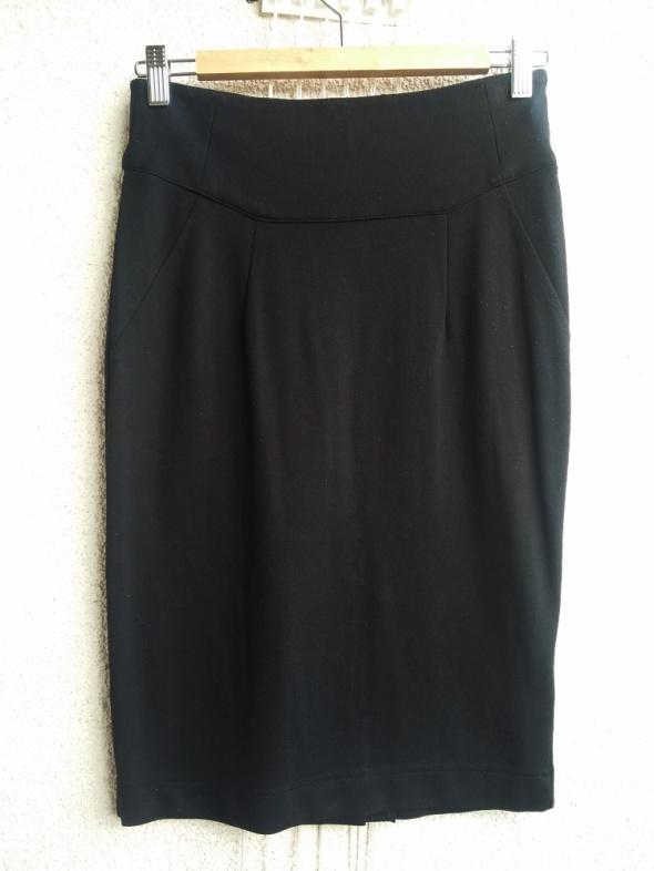Spódnice H&M czarna ołówkowa dopasowana spódnica 36