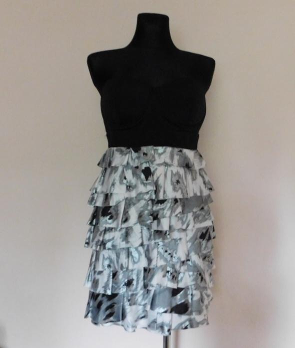 Suknie i sukienki Lipsy sexy sukienka mini 40