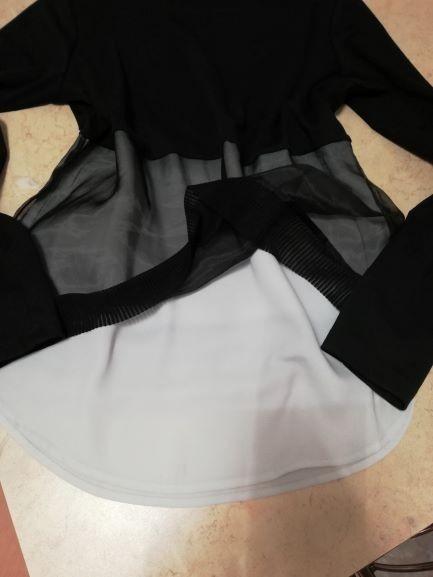 Bluzeczka czarno biała z reserved...