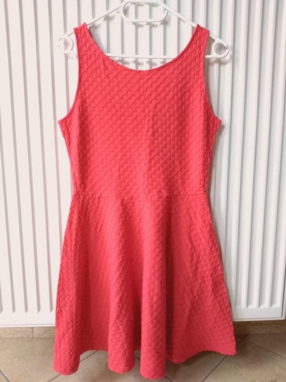 czerwona sukienka L...