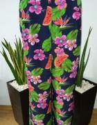 Spodnie wzor tropikalny szerokie...