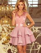 CHARLOTTE sukienka z koronkowym dekoltem pastelowy róż...