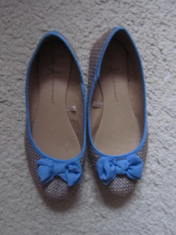 Balerinki słomkowe balerinki błękitne kokardki