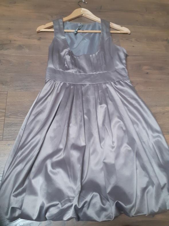 Sukienka Stradivarius rozmiar M