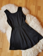 Czarna sukienka New Yorker L...