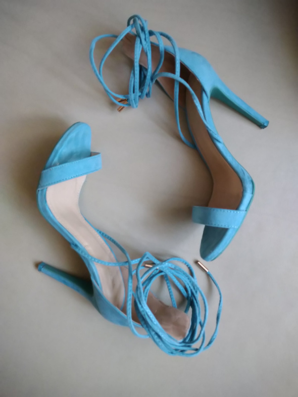 Piękne turkusowe sandały HIT LATA