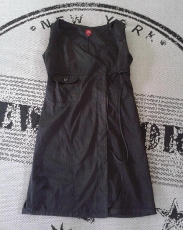 Sukienka TIFFI 40 L czarna PRET A PORTER wiązana...