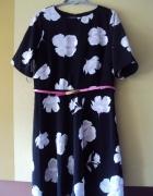 sukienka z kwiatowym motywem...