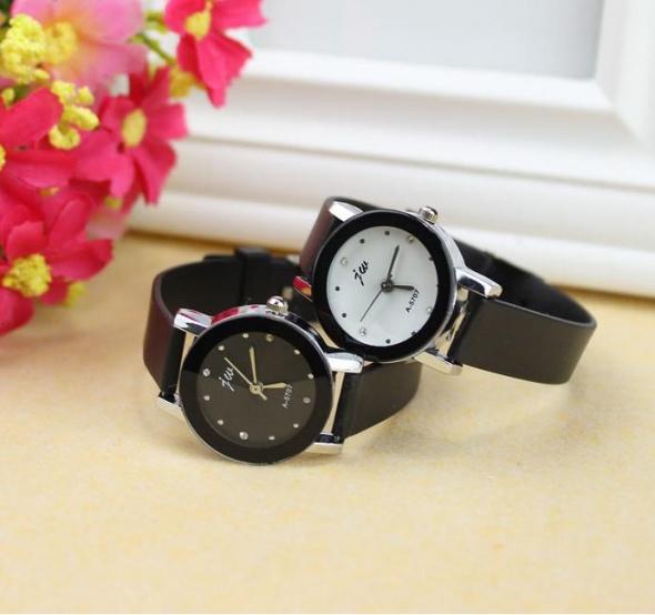 zegarek czarny złoty nowy piękny modny