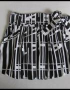 Spódnica AMISU 40 L rozkloszowana czarno biała...