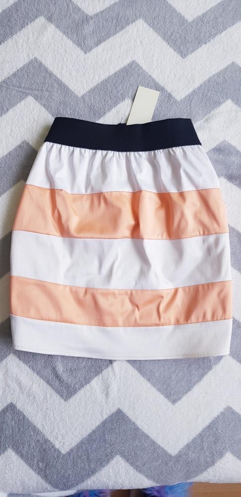 Spódnice Spodniczka