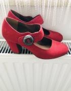 Buty czerwone