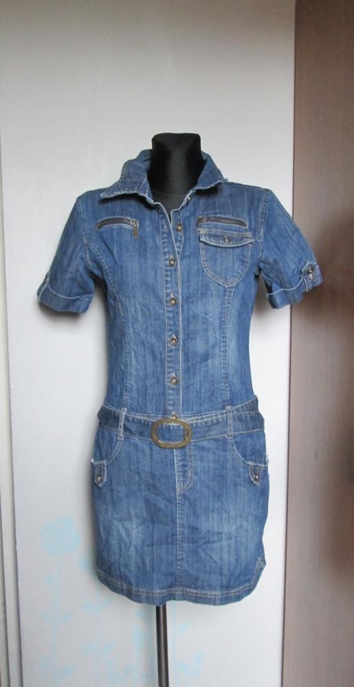 Jeansowa sukienka z kieszeniami i paskiem...