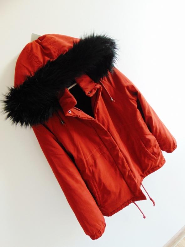 bordowa kurtka z liskiem parka bomberka...